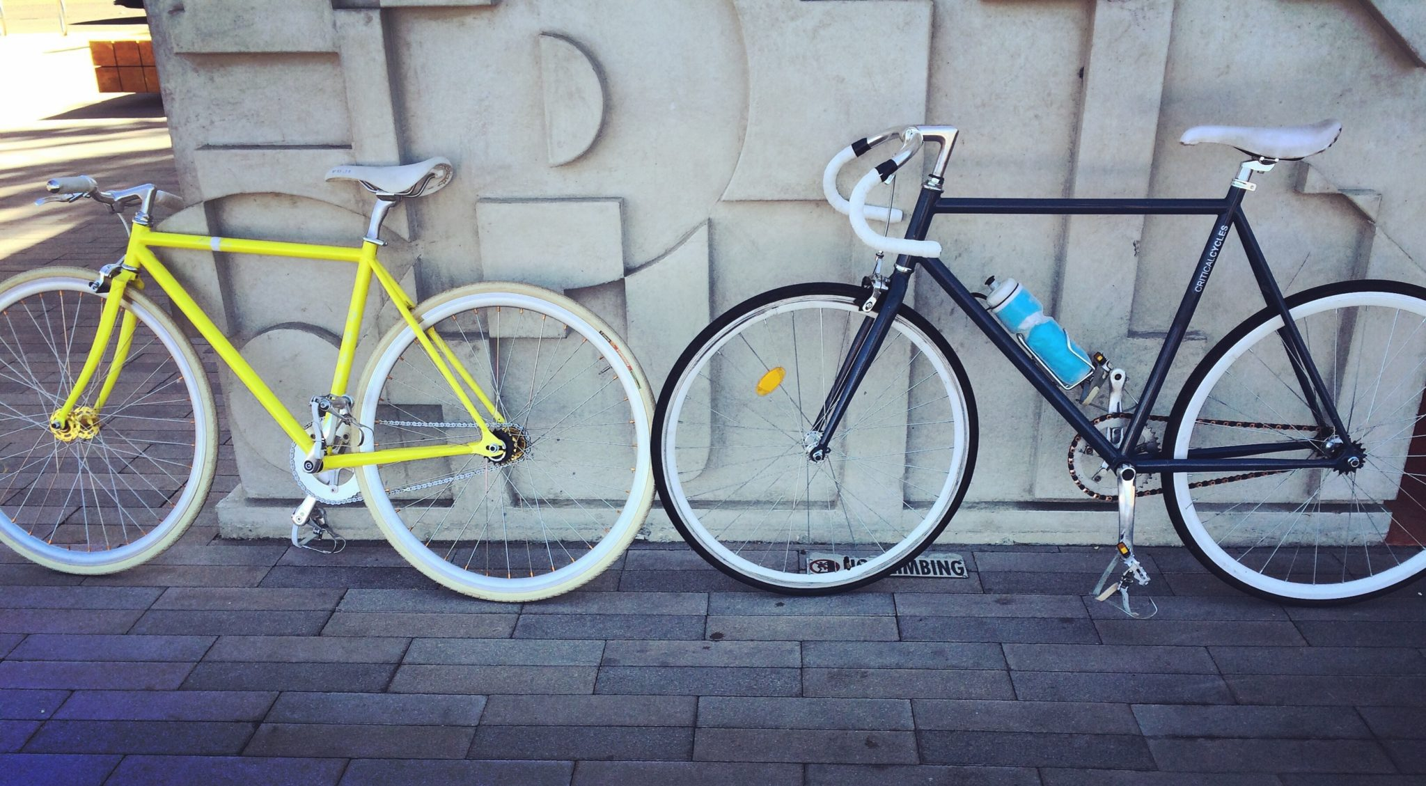 what is the benefit of a fixed gear bike