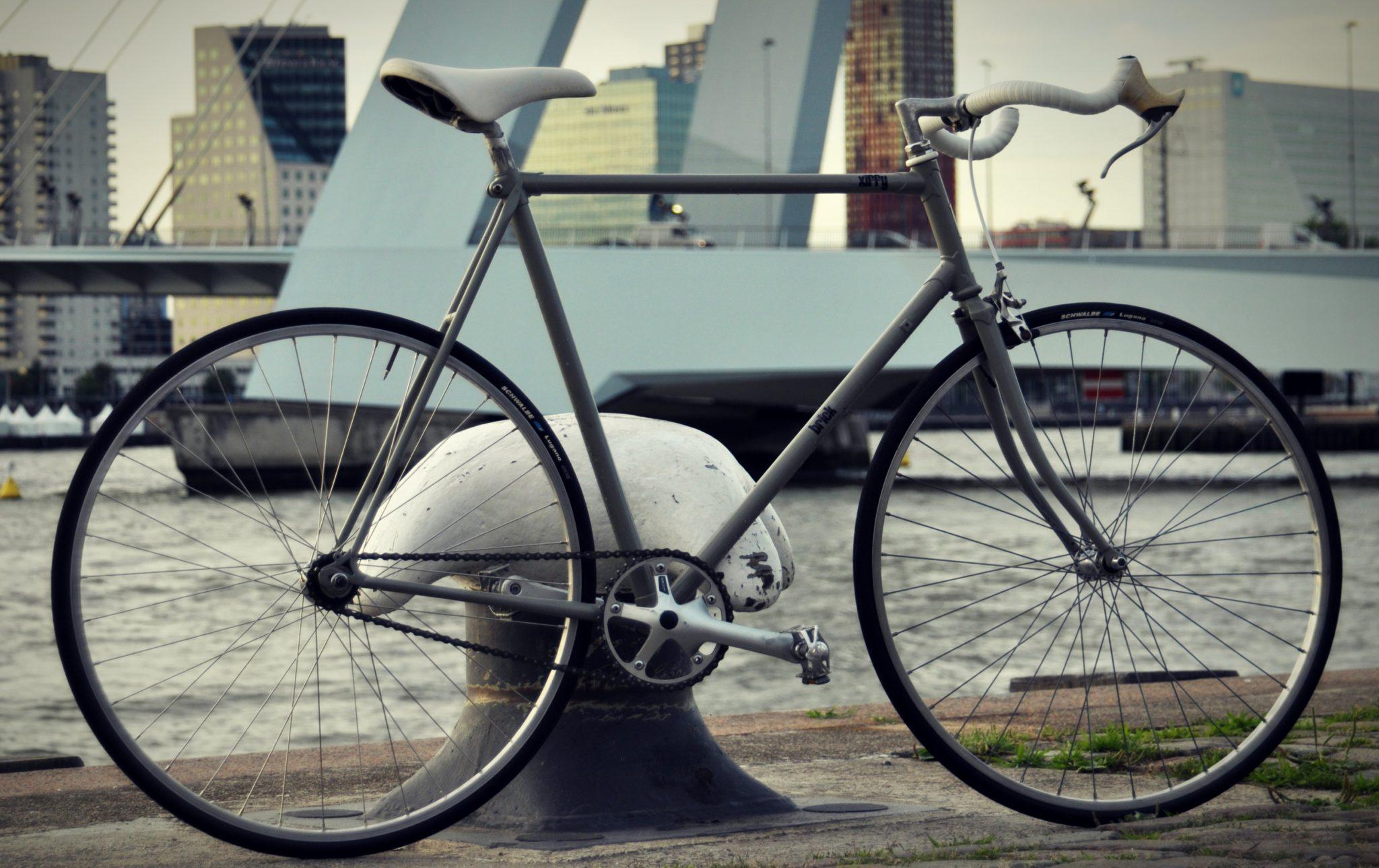 Retrospec Fixed-Gear Crank Single-Speed Road Bicycle