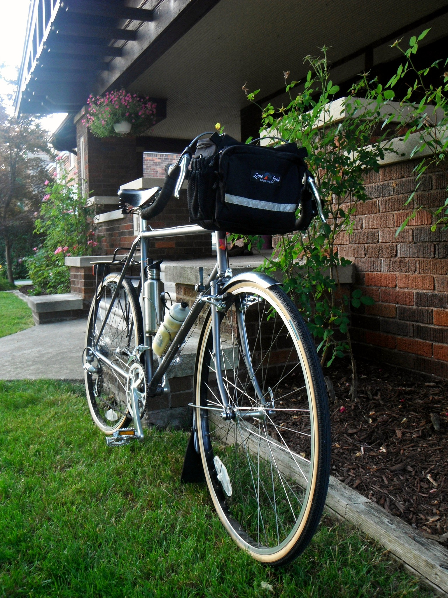 Top handlebar bag touring